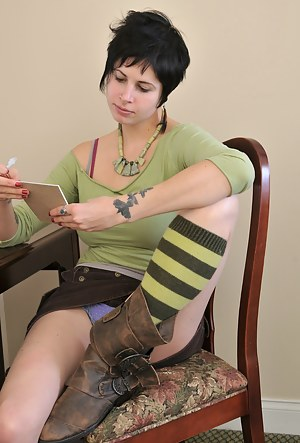 Short Hair Teen Porn Pictures