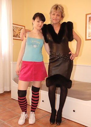 Lesbian Teen Porn Pictures