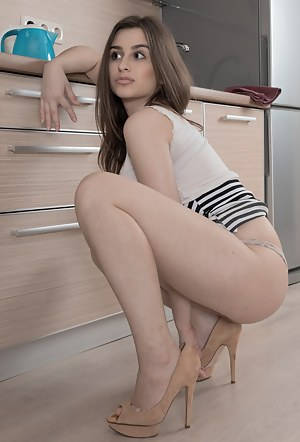 Teen Housewife Porn Pictures